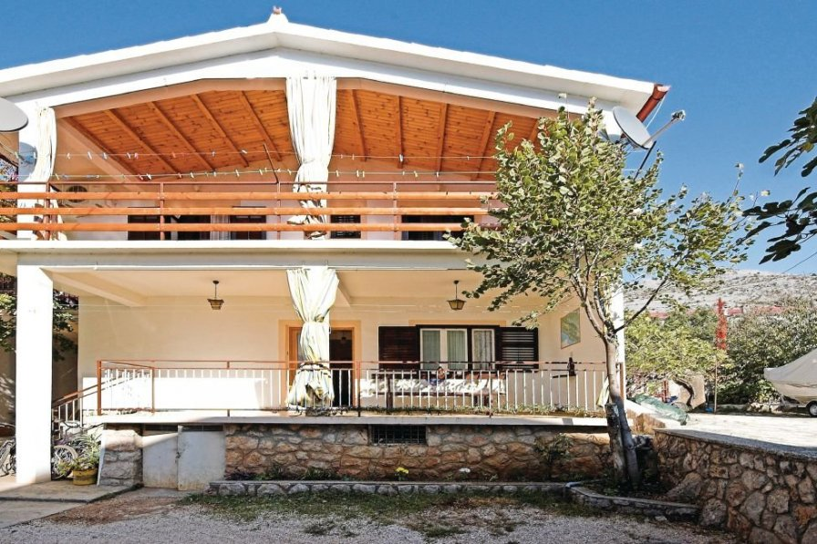 Villa in Croatia, Starigrad