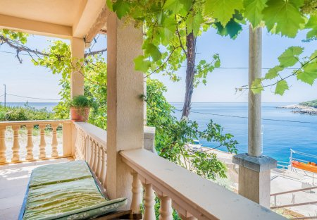 Apartment in Molunat, Croatia