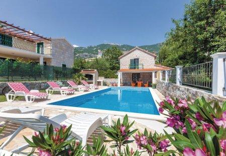Villa in Ostrvica, Croatia
