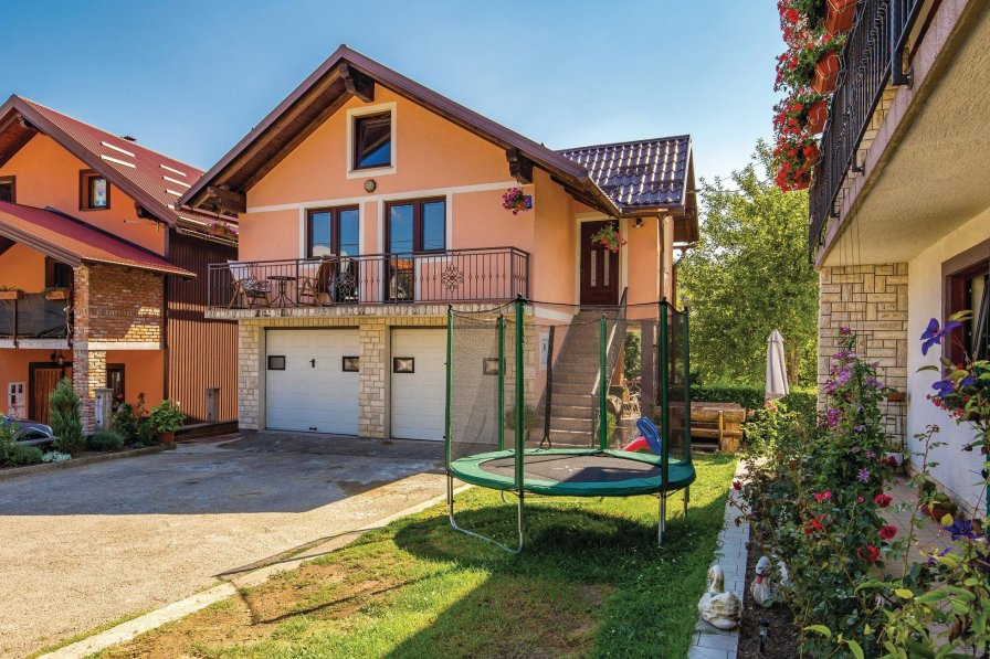 Villa in Croatia, Fužine