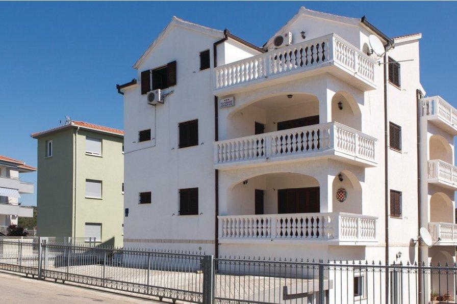 Studio apartment in Croatia, Okrug Gornji