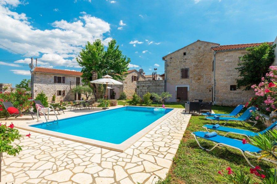 Villa in Croatia, Fabci