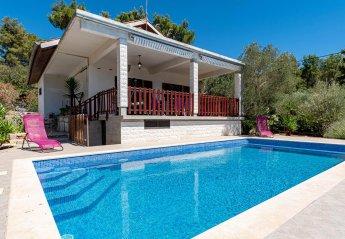 2 bedroom Villa for rent in Vela Luka
