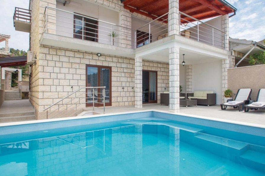 Villa in Croatia, Brna
