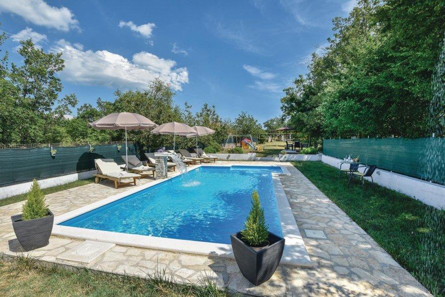 Villa To Rent In Labin Split Croatia With Swimming Pool 215892