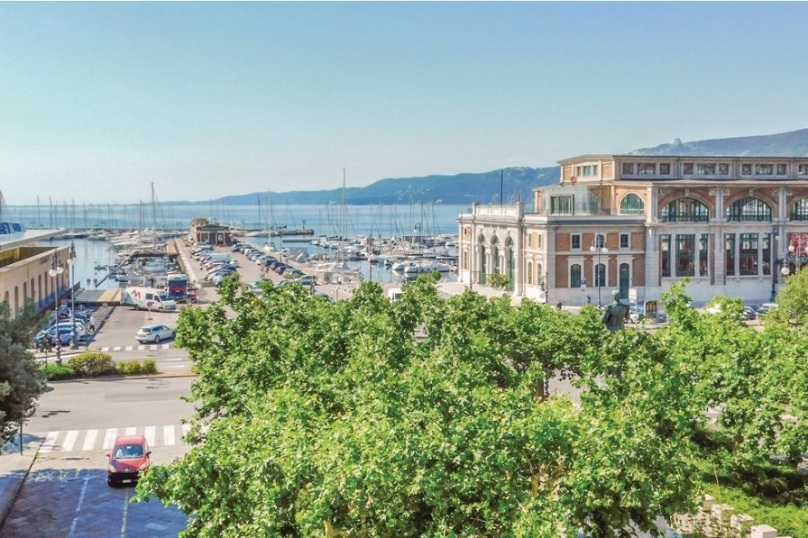 Apartment in Italy, Trieste: