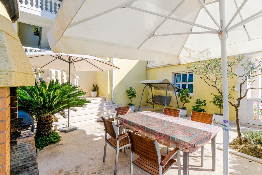Apartment rental in Slano