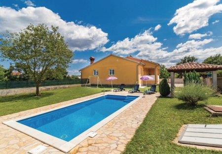 Villa in Rudani, Croatia