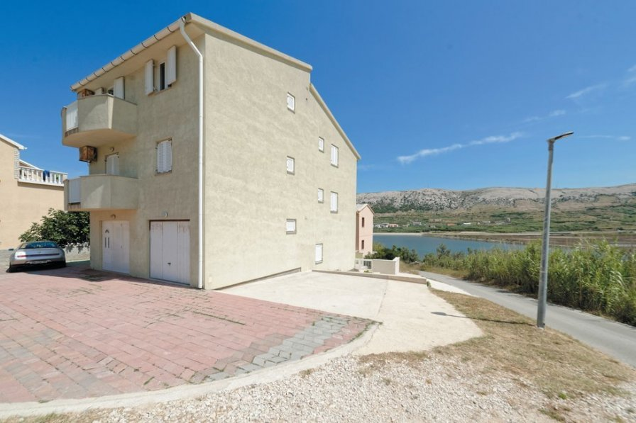 Apartment in Croatia, Pag