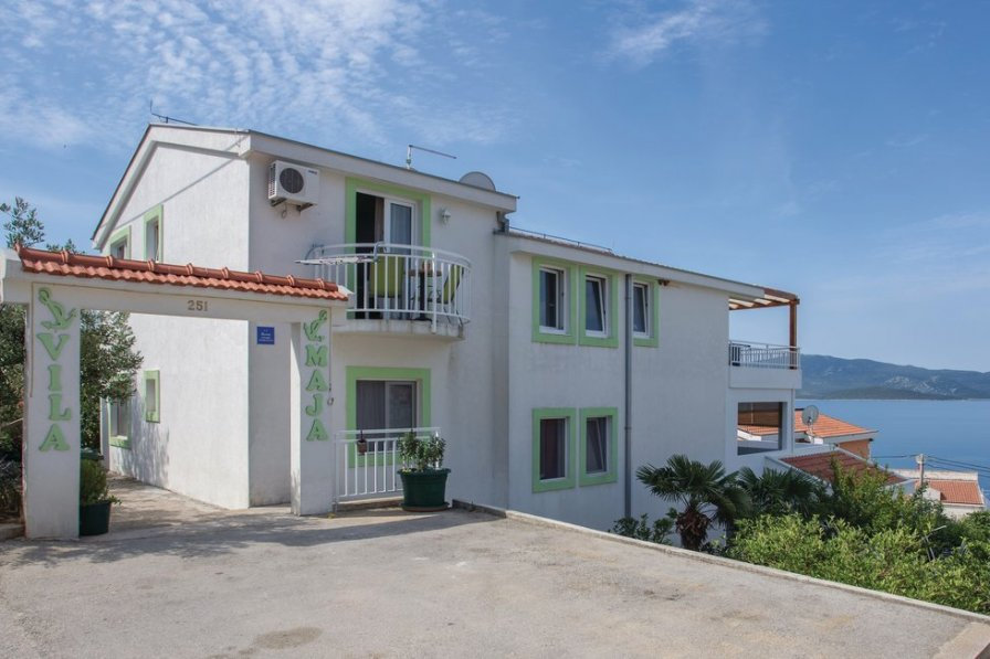 Apartment in Croatia, Komarna
