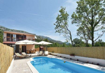 Villa in Naklice, Croatia