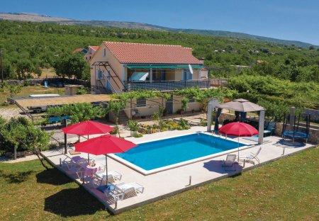 Villa in Velika Milešina, Croatia