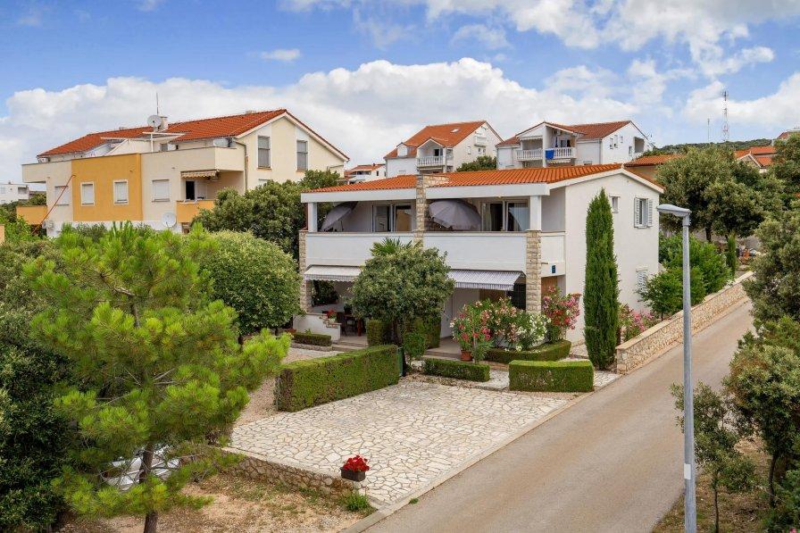 Apartment in Croatia, Mandre