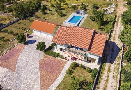 Villa in Lisičić, Croatia