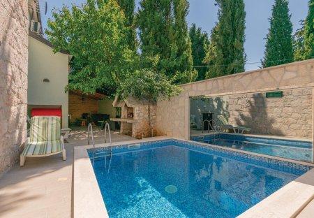 Villa in Kamenmost, Croatia