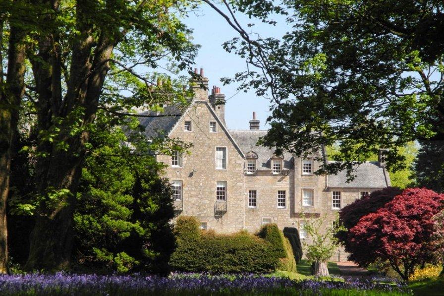 Chateau in United Kingdom, Garnock East