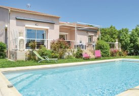 Villa in Santa-Maria-Poggio, Corsica