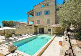 Villa in Le Barroux, the South of France