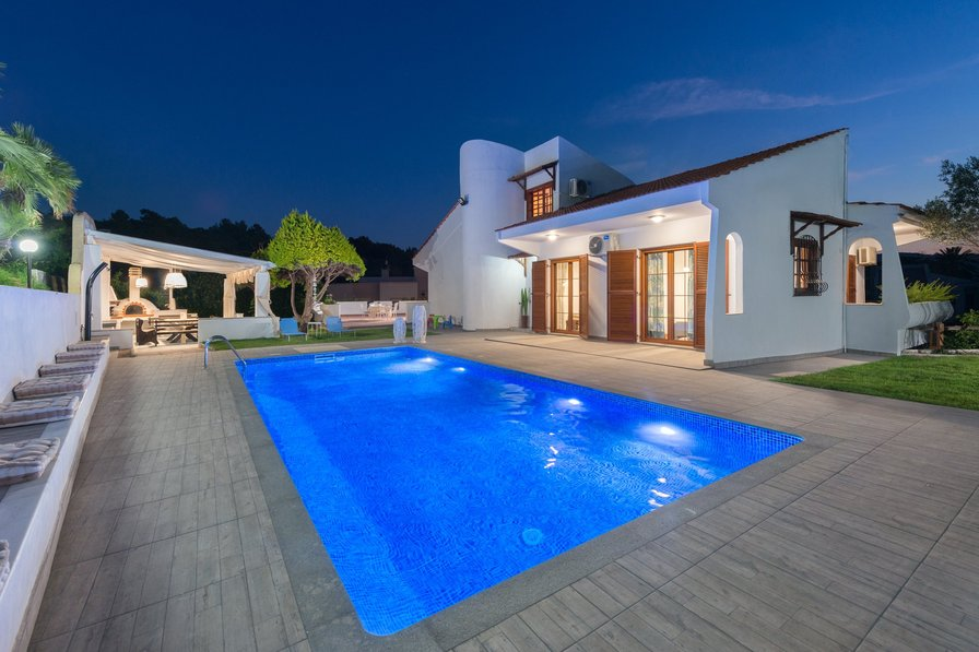 Owners abroad Una Villa