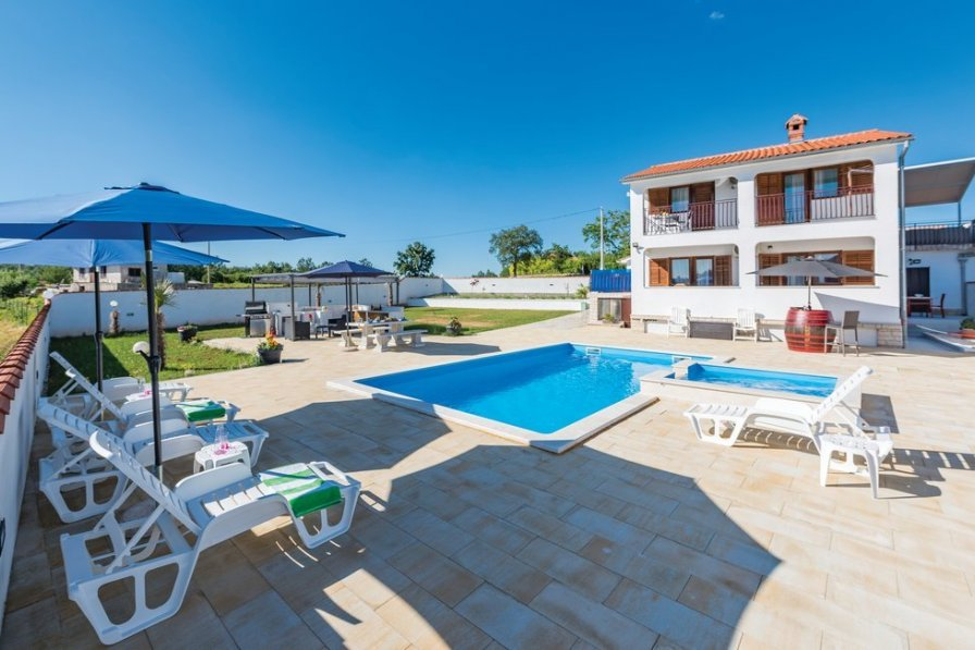 Villa in Croatia, Domijanići