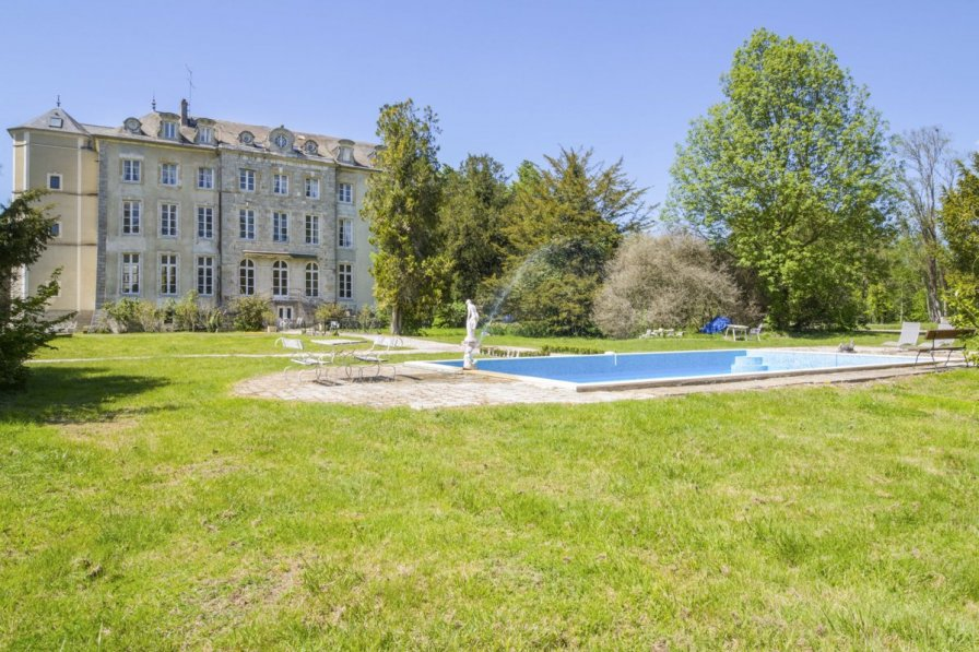 Owners abroad Chateau des Temps