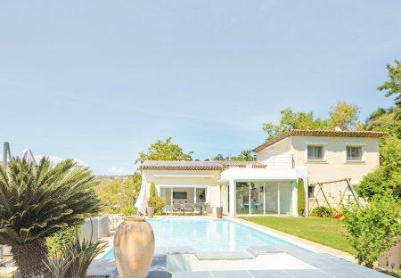 Villa in Village-Saint Julien-Saint Pierre, the South of France