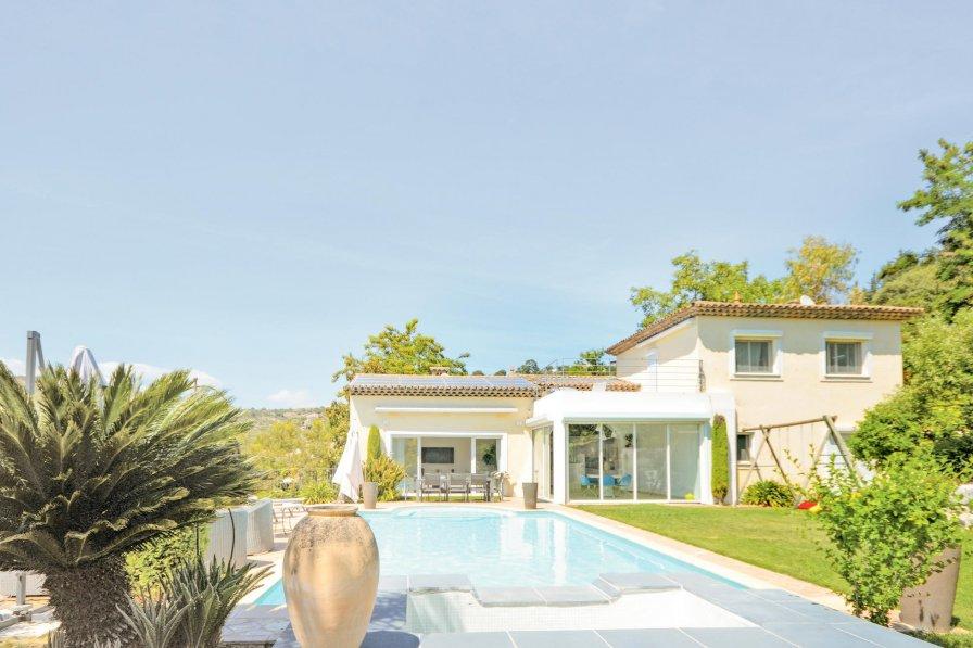 Village-Saint Julien-Saint Pierre villa to rent