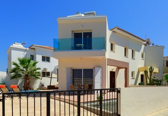 2 bedroom Villa for rent in Ayia Triada