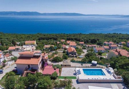 Apartment in Ravni, Croatia