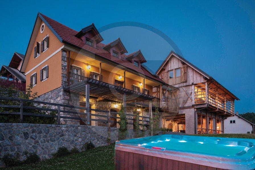 Villa in Slovenia, Štrekljevec