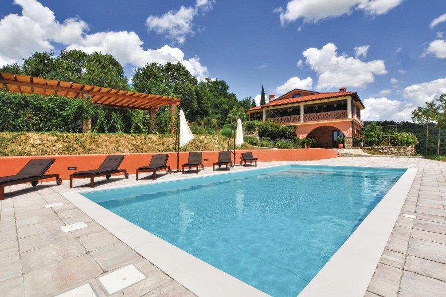 Villa in Slovenia, Parecag