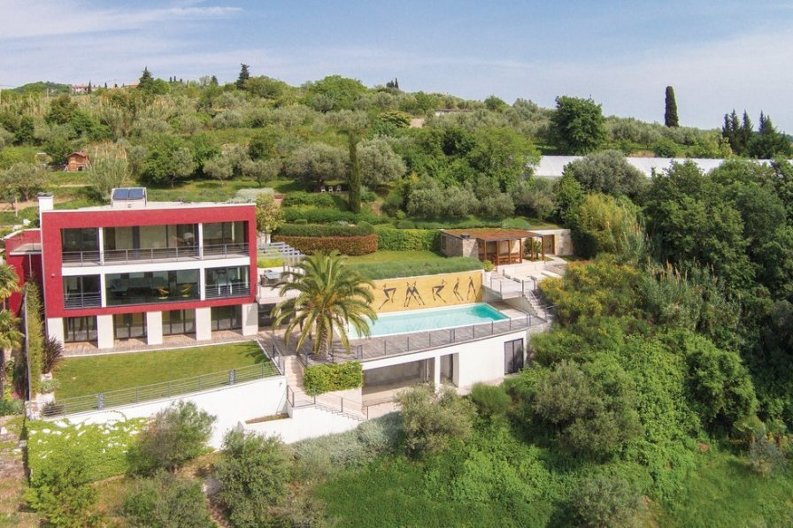 Holiday villa in Parecag with swimming pool