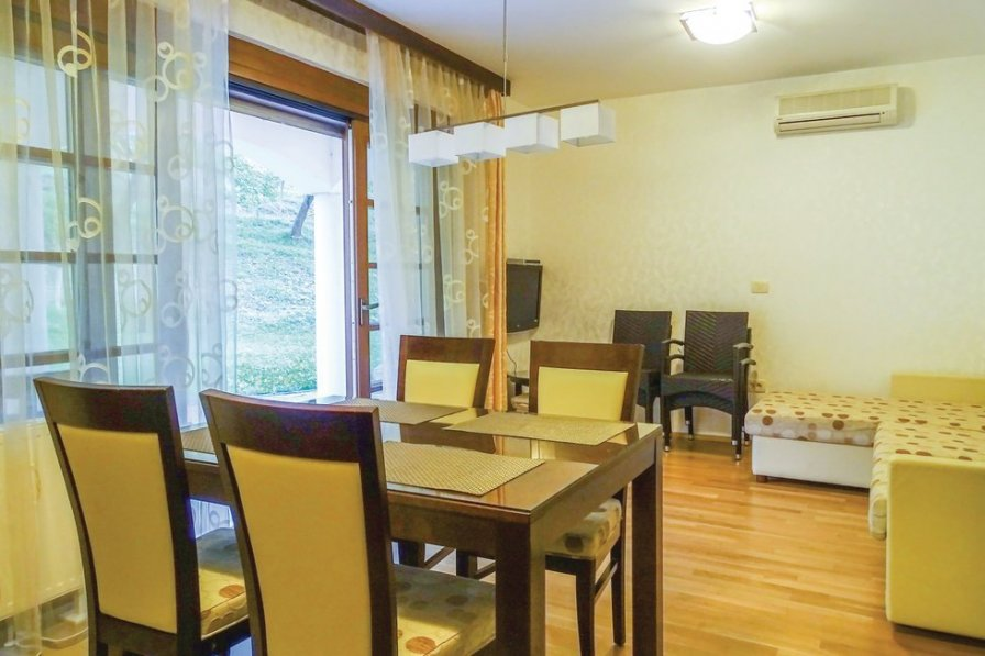 Apartment to rent in Pišece