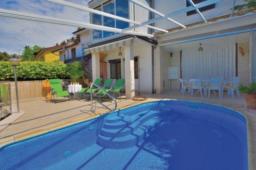 Holiday villa in Portorož with swimming pool