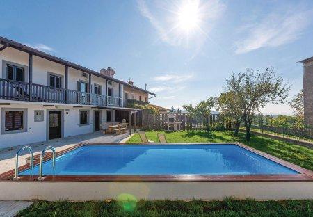 Villa in Sela na Krasu, Slovenia