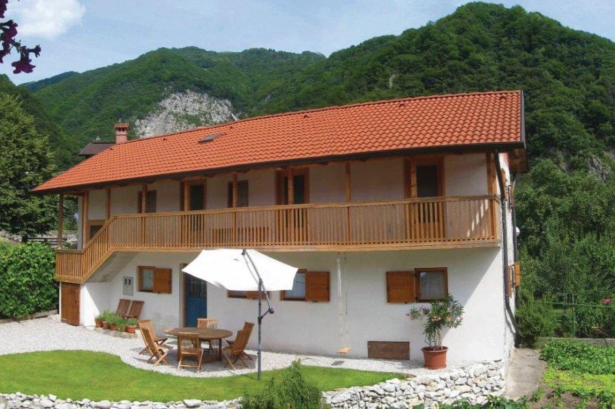 Villa in Slovenia, Poljubinj