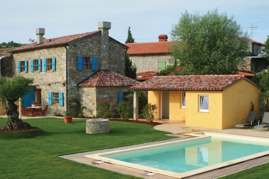 Villa rental in Fijeroga with swimming pool