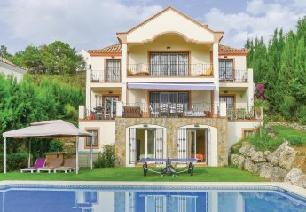 6 bedroom Villa for rent in Benahavis