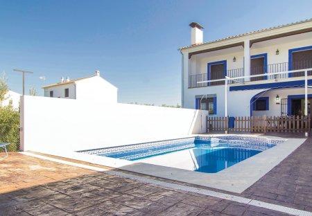 Villa in Cardeña, Spain