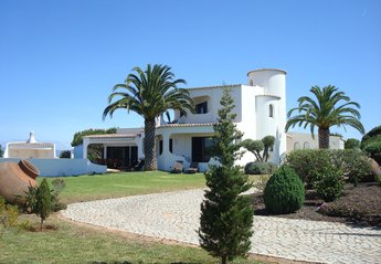 Villa in Portugal, Salicos