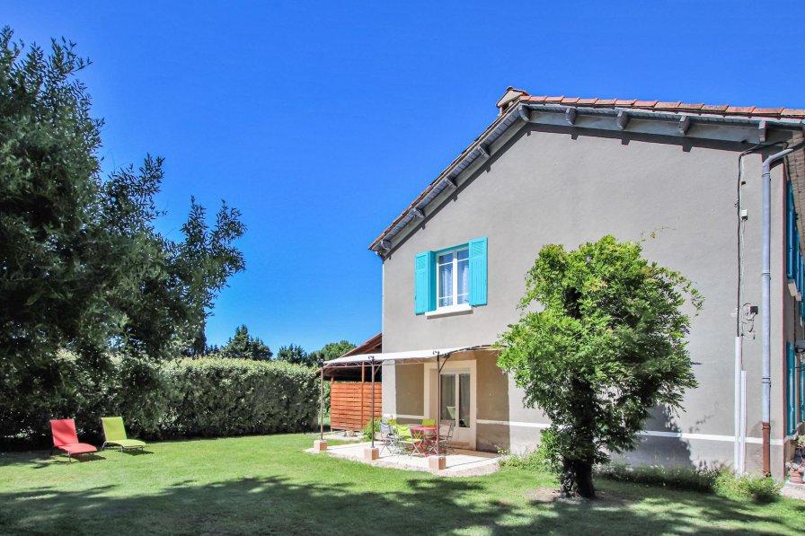 Villa in France, Verquières