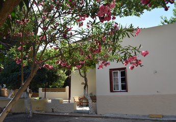 3 bedroom Villa for rent in Ialyssos