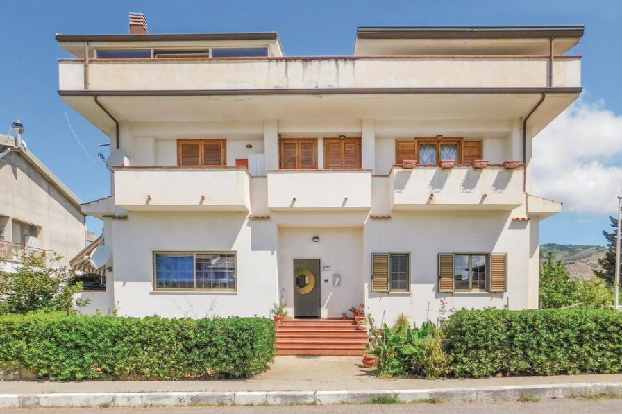 Apartment in Italy, Campora San Giovanni: