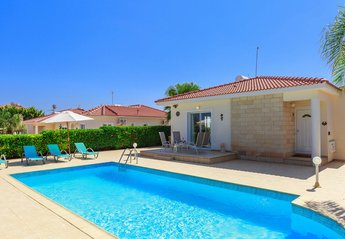 2 bedroom Villa for rent in Ayia Thekla
