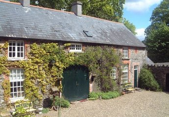 Cottage in Ireland, Ballymulcashel: Lodge - 2 bedrooms sleeps 5