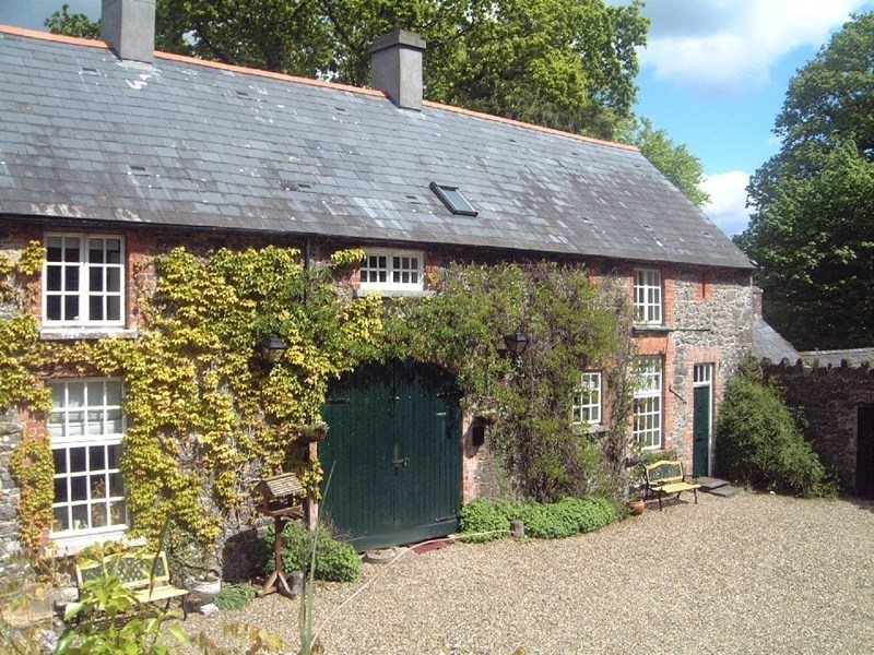 Cottage in Ireland, Bunratty: Lodge - 2 bedrooms sleeps 5