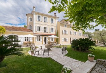 8 bedroom Villa for rent in Grasse