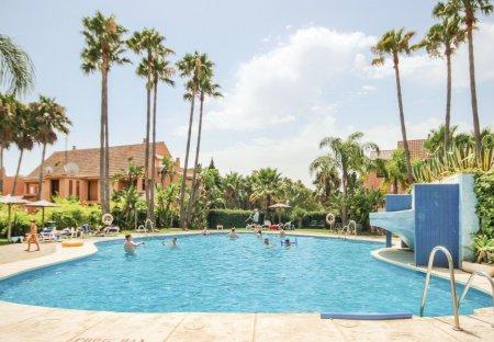 Apartment in Casares Costa Golf, Spain
