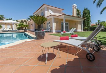 6 bedroom Villa for rent in Birre