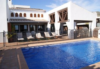 4 bedroom Villa for rent in El Valle Golf Resort